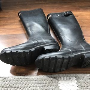Hunter Shoes - Classic Hunter Rain Boots! 💫Black ✨ Size 7